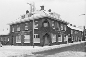Hotel Café Restaurant De Veemarkt, hoek Polderstraat - Speelhuislaan | Foto: collectie Stadsarchief Breda