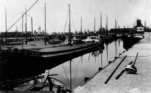 Industriekade vóór demping van het oostelijke deel van de Belcrumhaven in 1976 | Foto: collectie Stadsarchief Breda